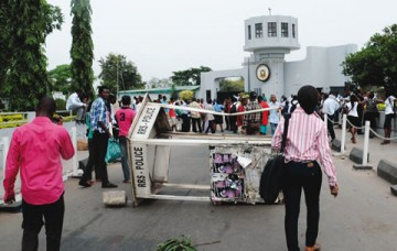 UI Students Protest Paralyses Commercial Activities