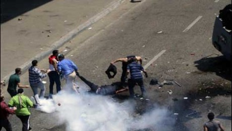 Egypt police storm protests