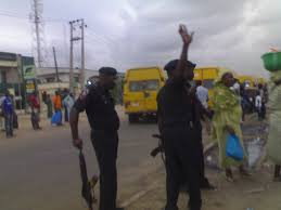 Female Police Officer Caught on Tape Trying to Extort Bribe from Commercial Bus