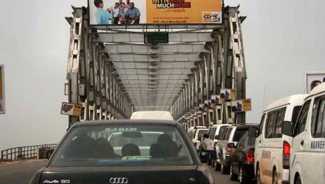 vehicle-bottleneck-at-onitsha-head-bridge