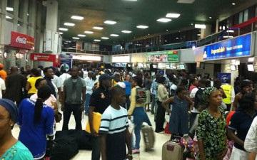 Thick smoke brings commotion at Lagos airport Badagry expressway
