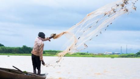 Bayelsa govt repairs fishing trawlers, builds market for farm yield