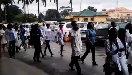 LASG Doctors Protest for Non-payment Of Salaries