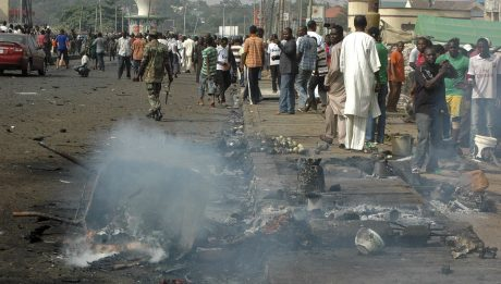 Female suicide bomber kills 10 in Maiduguri mosque