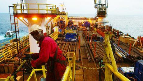 Uncertainties in oil market threaten 2017 budget