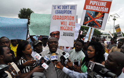 Groups stage counter rally, pass vote of confidence on Buhari