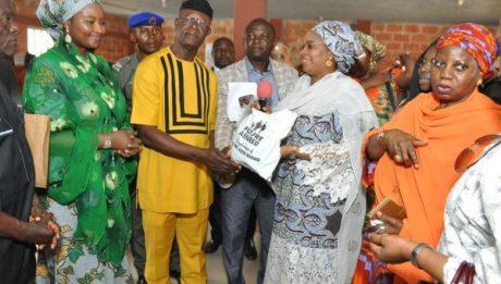 Aisha Buhari donates relief goods to Benue flood victims