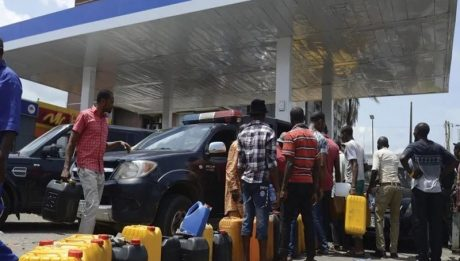 Fuel scarcity looms in Lagos as oil marketers threaten shutdown
