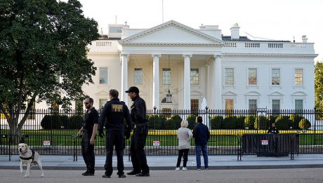 Police arrests man near White House