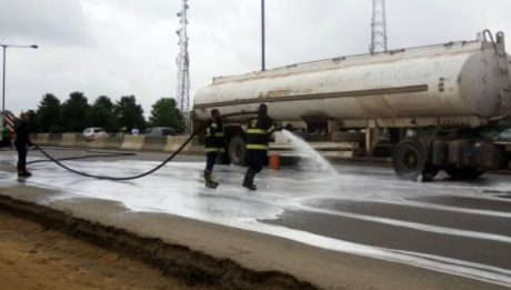 Fear as petrol tanker fall, spills content in Lagos