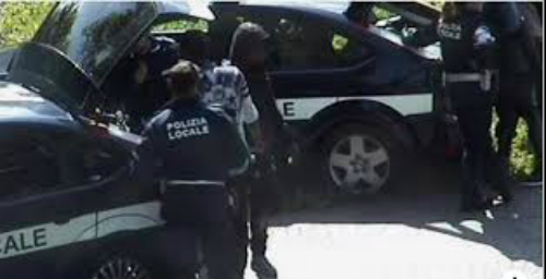 Nigerian Man In Italy Attacks Police Officers As The 2 Land In Hospital