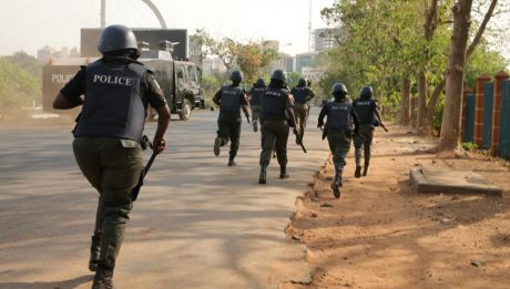 policemen has opened fire on traders in Bayelsa