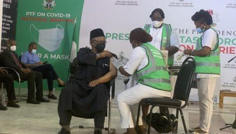 Nigeria vaccinates over 122,000 people