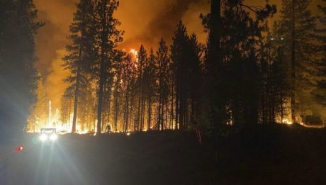 Extreme' wildfires and heavy smoke grip western US and Canada